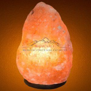 salt crystal lamp